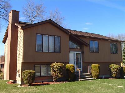 Cranston Single Family Home For Sale: 3 Highwood Ter