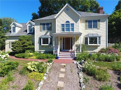 East Providence Single Family Home For Sale: 6 Carriage Lane
