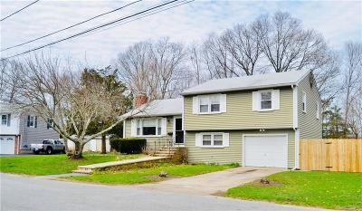 North Kingstown Single Family Home For Sale: 69 Apple Tree Ct