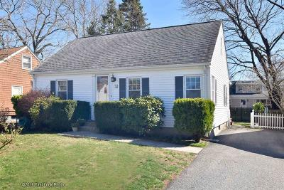 East Providence Single Family Home For Sale: 75 Thurston Street St