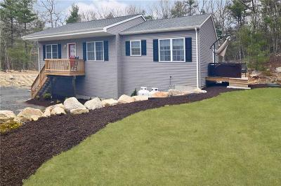 Coventry Single Family Home For Sale: 860 Maple Valley Rd