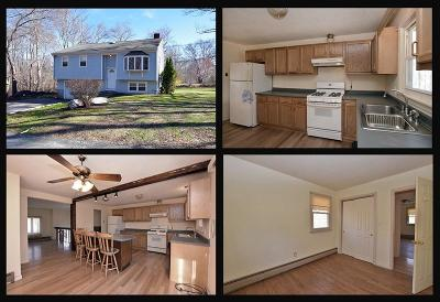 Tiverton Single Family Home For Sale: 33 Poinsetta Wy