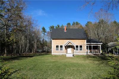 Hopkinton Single Family Home For Sale: 2 Saw Mill Rd