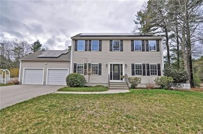 South Kingstown Single Family Home For Sale: 45 Moraine Ct