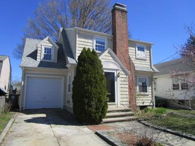 Cranston Single Family Home For Sale: 12 Philmont Av