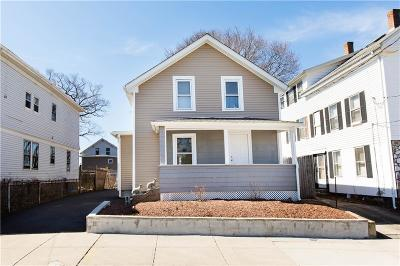 Pawtucket Single Family Home For Sale: 18 Knowles St