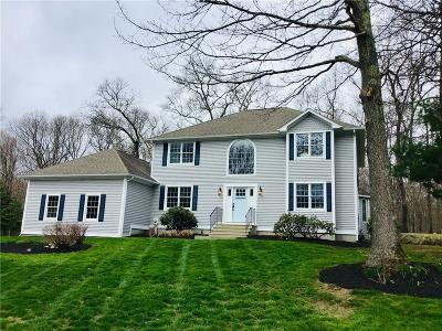 North Kingstown Single Family Home For Sale: 27 Linden Ct