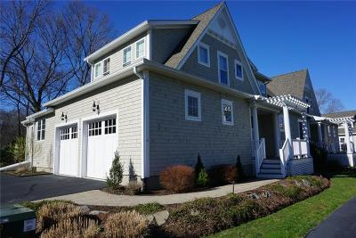 North Kingstown Condo/Townhouse For Sale: 66 West Cove Dr, Unit#11 #11
