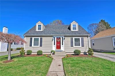 Pawtucket Single Family Home For Sale: 288 Bloomfield St