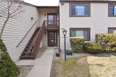 Narragansett Condo/Townhouse For Sale: 30 Sweet Meadows Ct, Unit#24 #24