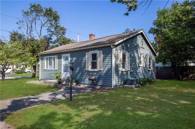 Barrington Single Family Home For Sale: 2 Middle St