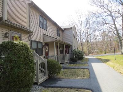 Smithfield Condo/Townhouse For Sale: 609 Pinewood Dr
