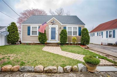 Pawtucket RI Single Family Home For Sale: $239,000