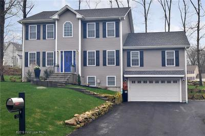 Woonsocket Single Family Home For Sale: 351 Gauthier Dr