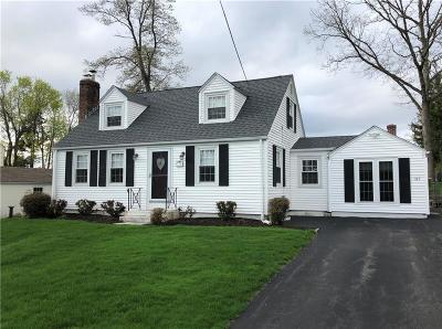 Cranston Single Family Home For Sale: 165 Hill Top Dr