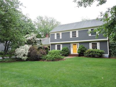 Bristol County Single Family Home For Sale: 9 Boxwood Ct