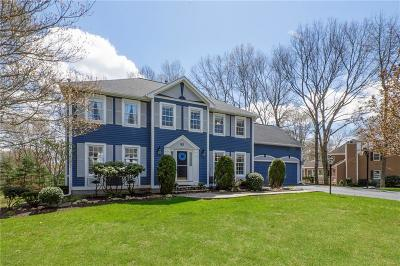 North Kingstown Single Family Home For Sale: 85 Wickham Rd