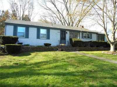 East Greenwich Single Family Home Act Und Contract: 129 Knollwood Av