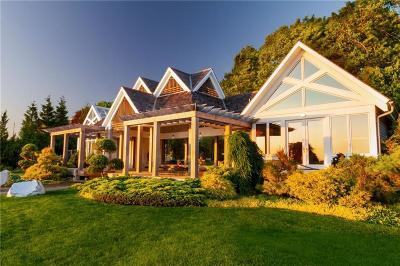Bristol Single Family Home For Sale: 91 Shore Rd