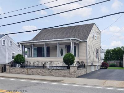 West Warwick Single Family Home For Sale: 902 Main St