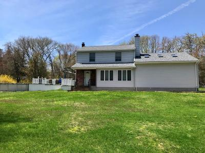 Little Compton Single Family Home For Sale: 67 Pottersville Rd