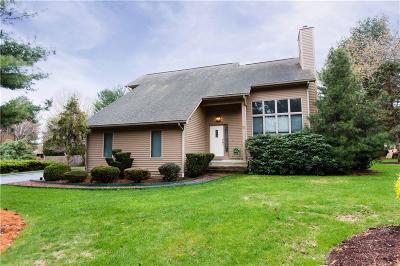 Cranston Single Family Home For Sale: 5 Thomas Lane