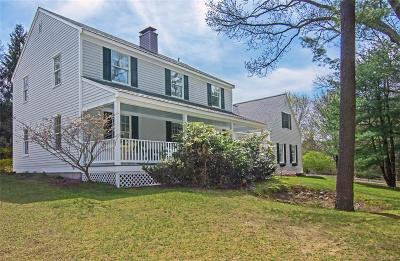 South Kingstown Single Family Home Act Und Contract: 28 Queens River Dr