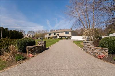 Bristol County Single Family Home For Sale: 7 Stonegate Dr