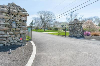 Narragansett Single Family Home For Sale: 60 Cliff Dr
