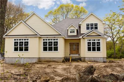 North Kingstown Single Family Home For Sale: 548 Glen Hill Dr