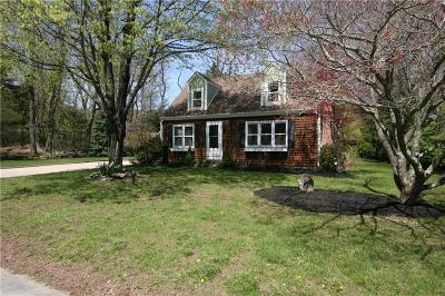 North Kingstown Single Family Home For Sale: 38 Maxwell Dr