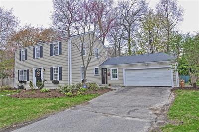 Bristol County Single Family Home For Sale: 352 Nayatt Rd