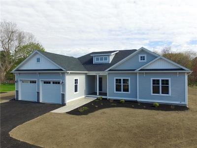 South Kingstown Single Family Home For Sale: 2049 Matunuck School House Rd