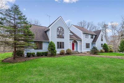 South Kingstown Single Family Home For Sale: 80 Hummingbird Hollow Av