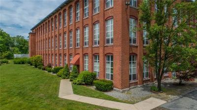 North Providence Condo/Townhouse For Sale: 494 Woonasquatucket Av, Unit#212 #212