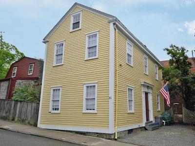 Newport Single Family Home For Sale: 61 Church St