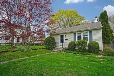 Newport Single Family Home For Sale: 48 Whitwell Av