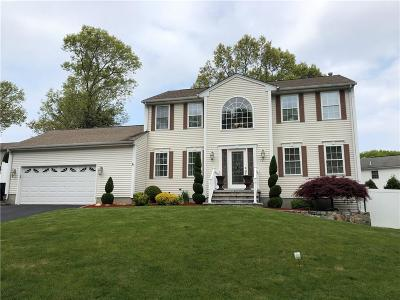 West Warwick Single Family Home For Sale: 12 Gilcrest Dr