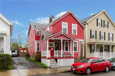 Newport Single Family Home For Sale: 39 Hammond St
