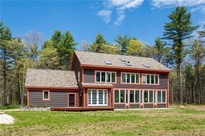 Exeter Single Family Home For Sale: 12 Sanford Farm Rd