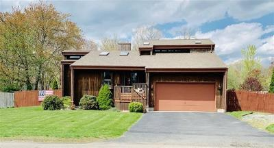 Bristol County Single Family Home For Sale: 39 Narrows Rd