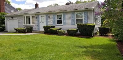 East Providence Single Family Home For Sale: 19 Fenwick Rd