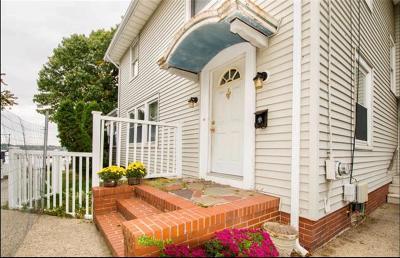 Cranston Single Family Home For Sale: 12 Rushton Dr