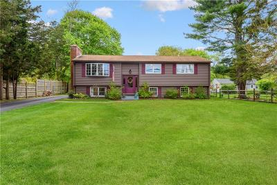 North Kingstown Single Family Home For Sale: 55 Weavers Rd
