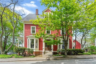 Providence County Single Family Home For Sale: 32 Jenkins St