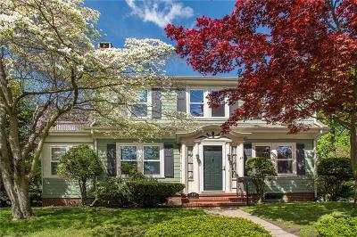Providence County Single Family Home For Sale: 49 Lowden St