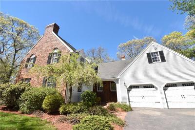 Attleboro Single Family Home For Sale: 112 Newport Av