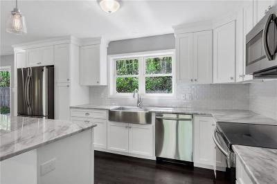 Providence County Single Family Home For Sale: 220 Greenville Rd