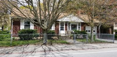 Coventry Single Family Home For Sale: 4 Johnson Blvd