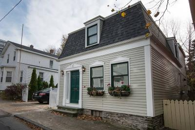 Newport Single Family Home For Sale: 29 Young St